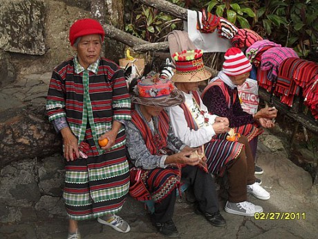the-traditional-clothing-baguio-philippines BOHOL