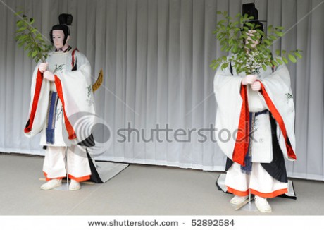 stock-photo-two-mannequins-in-traditional-japanese-clothes-52892584