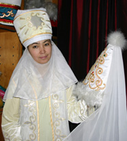 kyrgyz-costume-maker-1