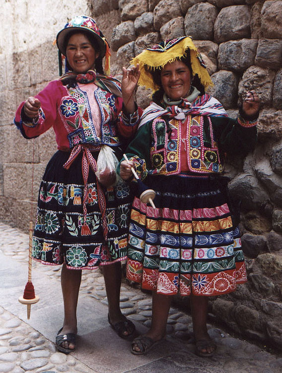 Colourful_woman_in_Cusco